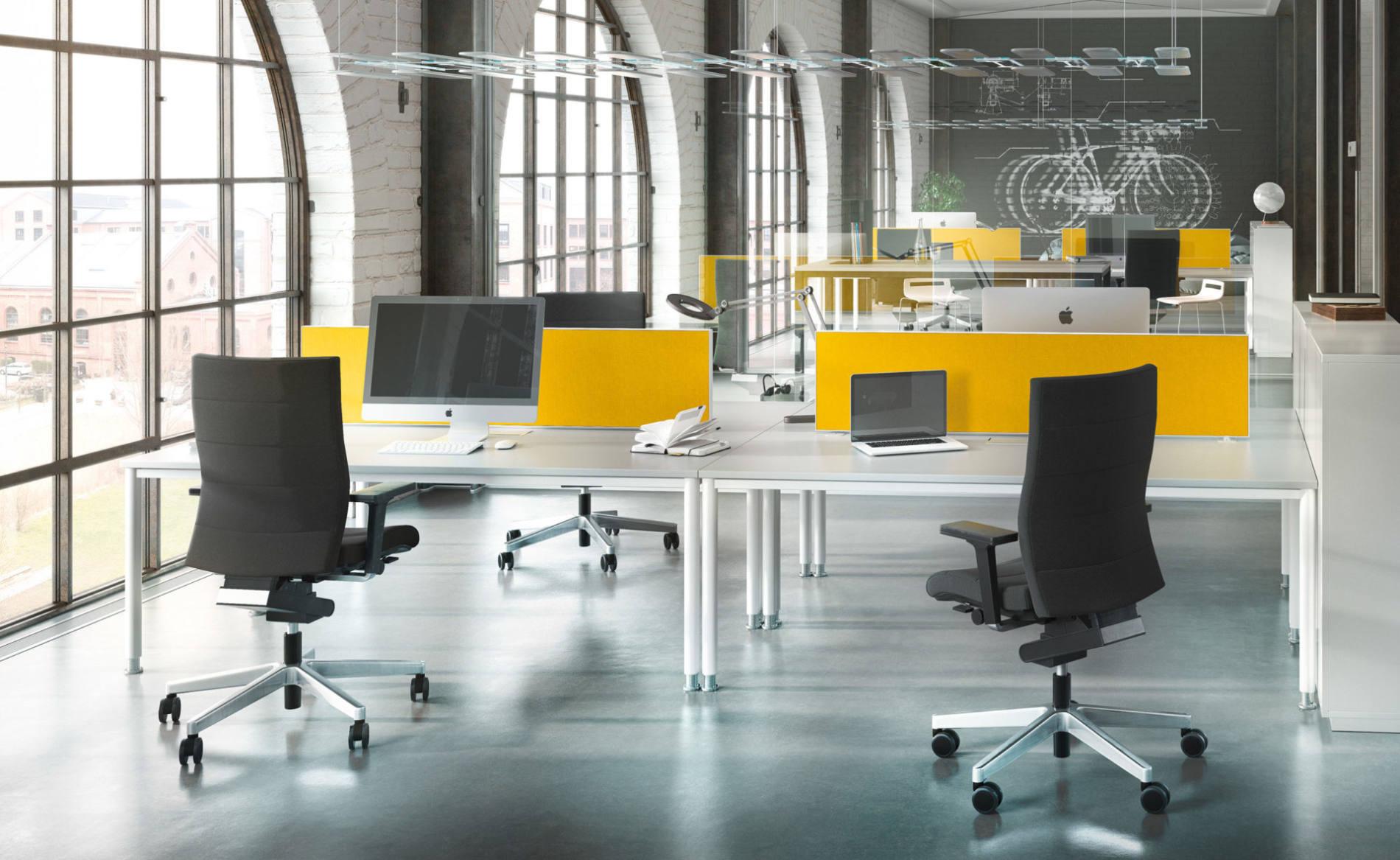 Schreibtisch SINAC mit Akustik-Trennwand auf Tisch, 4-Fuß, Rundrohr (Palmberg)