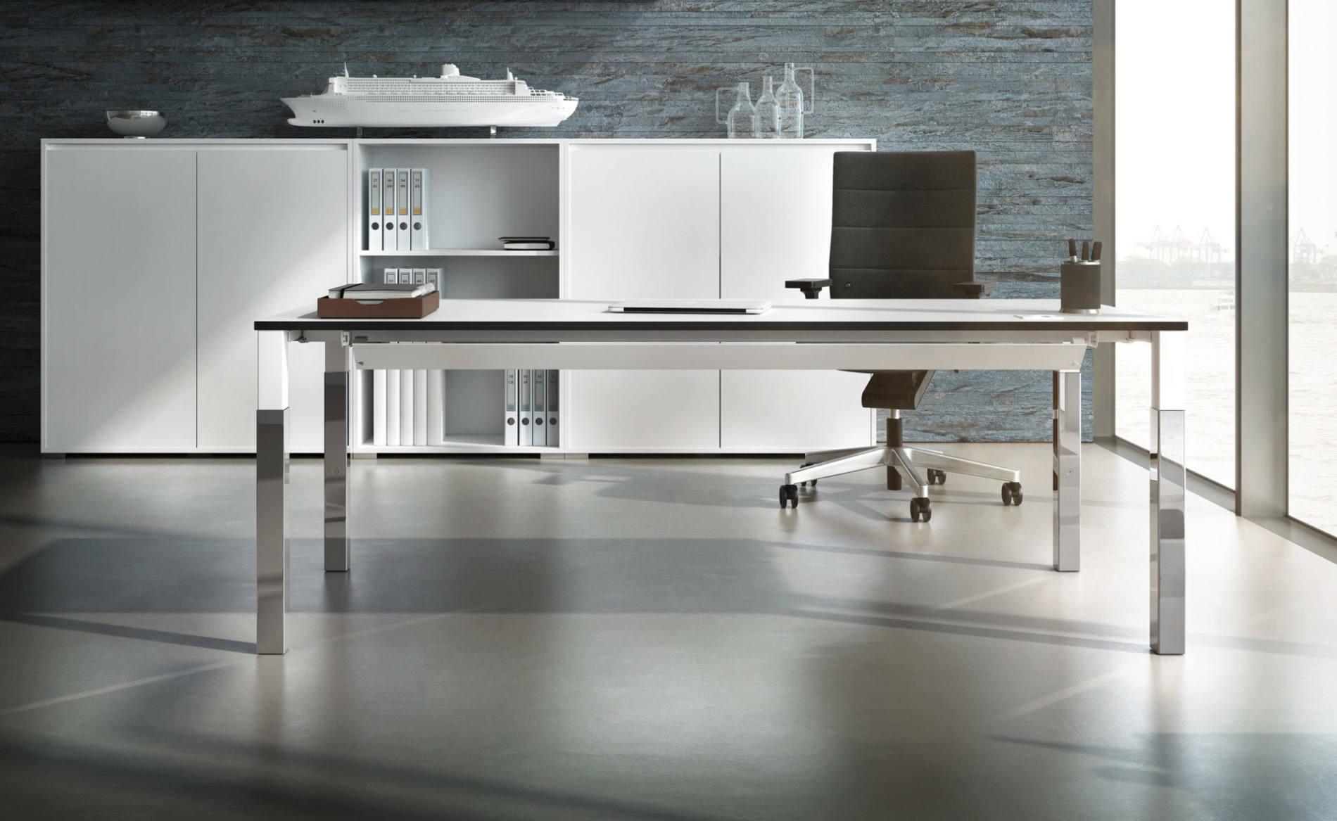 Schreibtisch, Einzelarbeitsplatz, Palmberg, Systotec, 4-Fuß-Tisch, Quadratrohr, Chefarbeitsplatz, Select, Schrank, Hängeregal, Hängeschrank