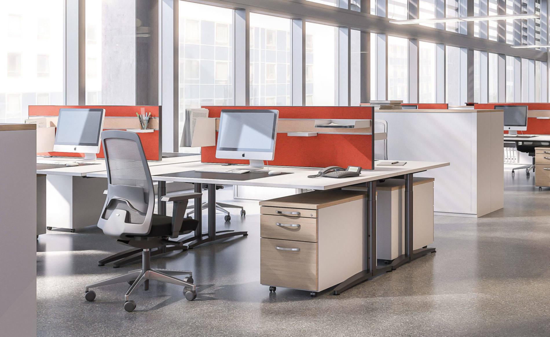 Schreibtisch CALDO mit Akustik-Trennwand als Tischaufsatz im Großraumbüro (Palmberg)
