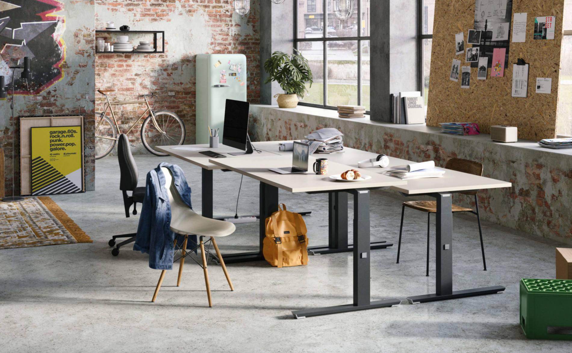 Schreibtisch CREW als Teamarbeitsplatz im Start-up, höheneinstellbar (Palmberg)
